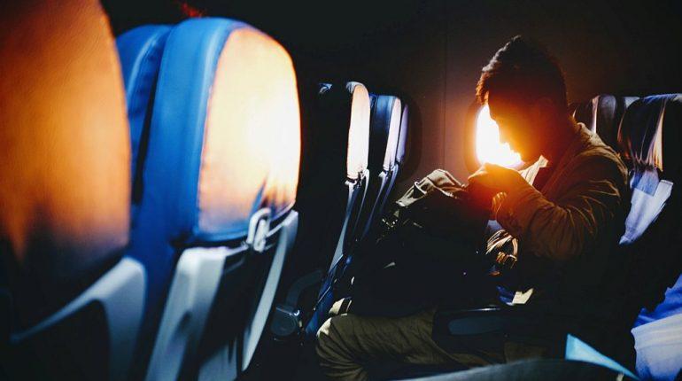 Jak zabezpieczyć bagaż podczas lotu samolotem?