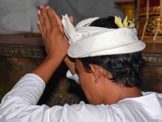 obrzędy pogrzebowe Sulawesi